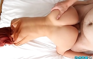 Date Slam - Beautiful fair-skinned redhead screwed by big cock - Accoutrement 2