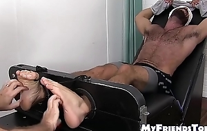Muscular homo Ricky Larkin gets tickled by a adult gay