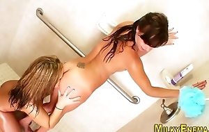 Ass drilling ho squirts flower