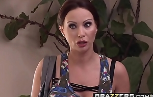 Depraved milf (McKenzie Lee) fucks hammer away help - Brazzers