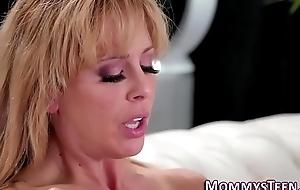 Lesbian stepmom gets oral