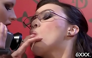 Disingenuous inverted chick acquires big undisguised vagina screwed anent toys