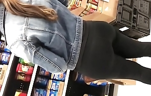 Big booty Latina busted me with publicly