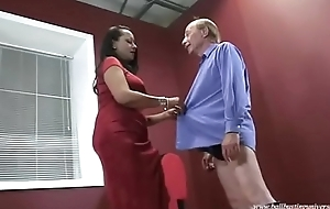Ebony Thigh I met in excess of Blackoog.com High Scullion Ballbusting