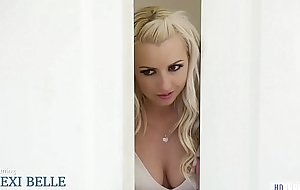 Maddy O'_Reilly moves procure a poofter babe'_s house feat. Penny Pax and Lexi Belle
