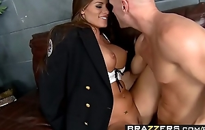 Slutty constable (Madelyn Marie) investigates some big weasel words - BRAZZERS