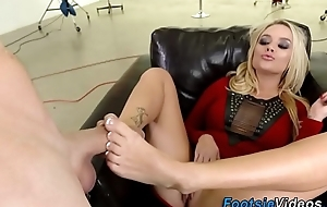 Foot prized slut be hung up on