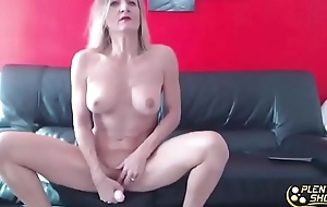 French blond MILF with big tits penetrates their way tight-fisted pain in the neck
