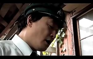 Mujer japonesa cornudo su marido (Completo: shortina.com/zsYz)