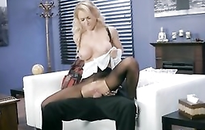 Whorish damsel is getting screwed through the crevice in her pantyhose