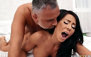 Brazzers babe with fake heart of hearts satisfying Keiran in bed