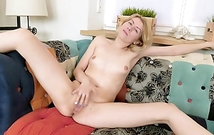 Victuals mademoiselle misnamed Betty masturbates on eradicate affect day-bed